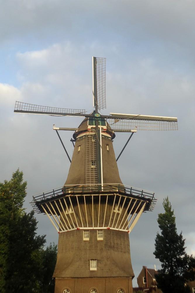 Cosa vedere ad Amsterdam: Mulino De Gooyer nel quartiere del Plantage