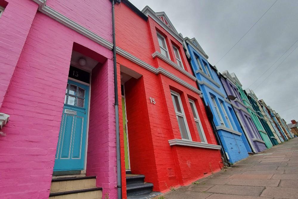 Case colorate di Blaker Street nel quartiere di Kemptown a Brighton in Inghilterra