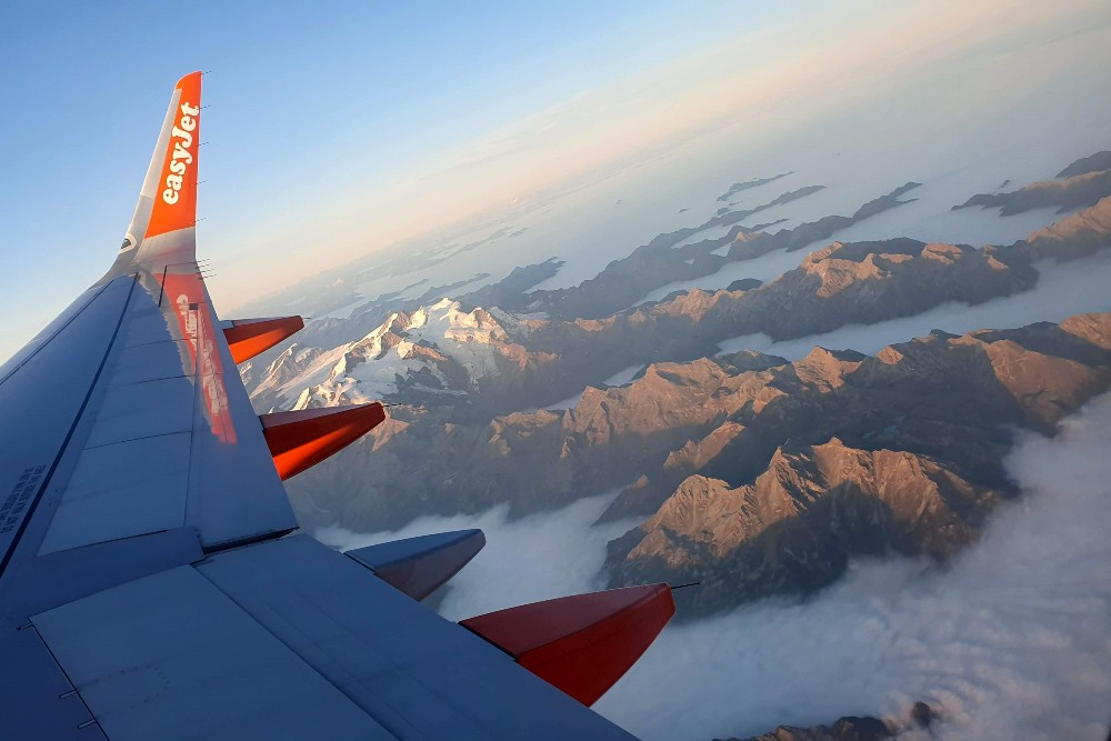 Sorvolando le Alpi verso Londra Gatwick con un volo Easy Jet
