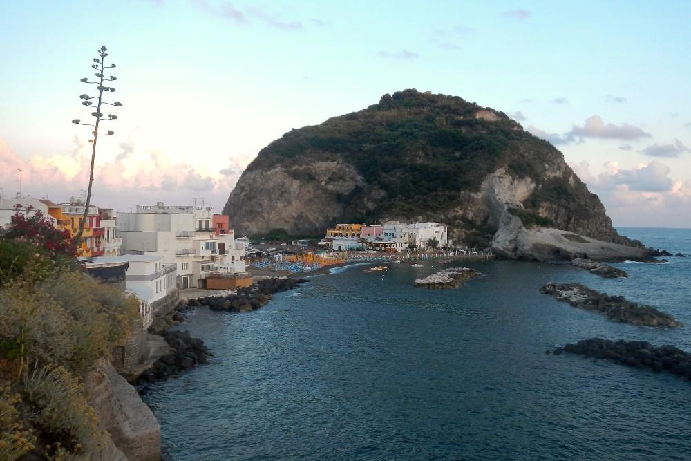 Veduta della località di Sant'Angelo e Punta Sant'Angelo a Ischia