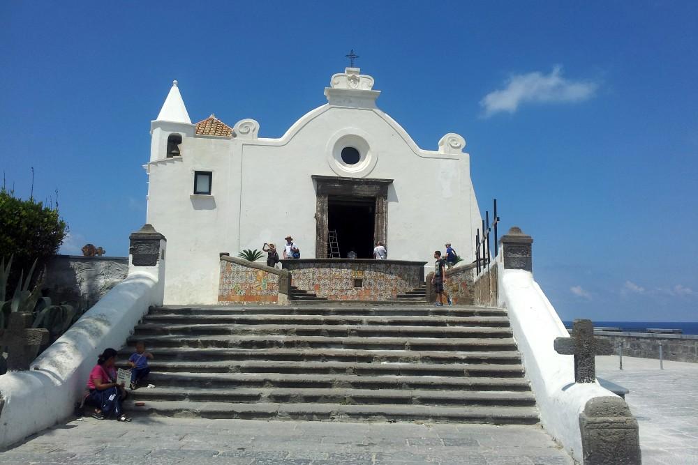 Cosa vedere a Ischia: Chiesa di Santa Maria del Soccorso a Forio