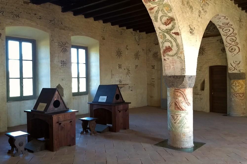 Scriptorium dei monaci cistercensi nell'Abbazia di Morimondo vicino a Milano, Lombardia