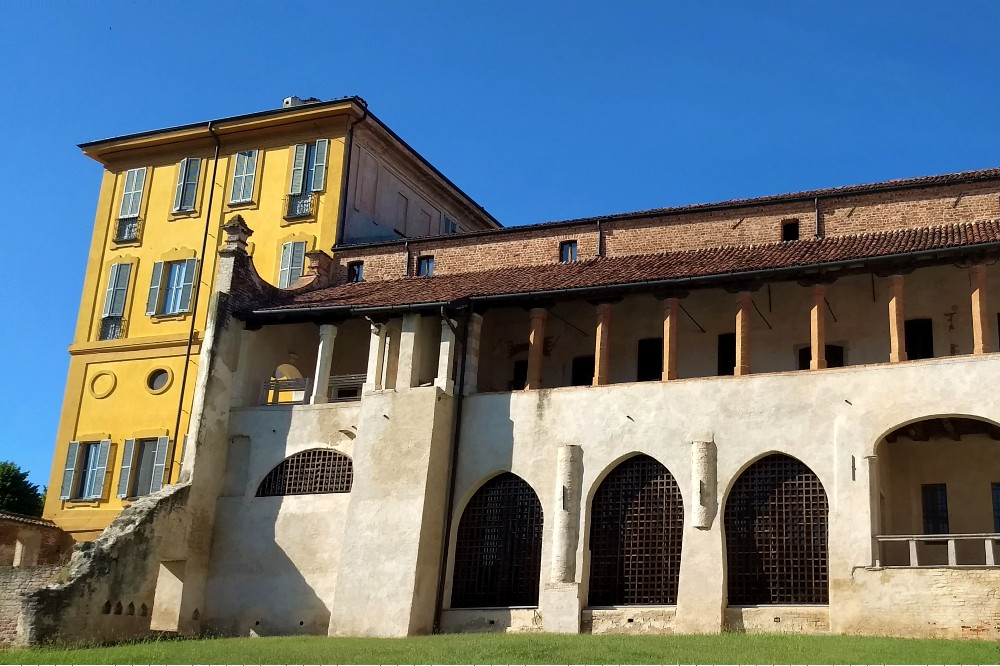 Loggia dell'Abbazia di Morimondo in provincia di Milano, Lombardia