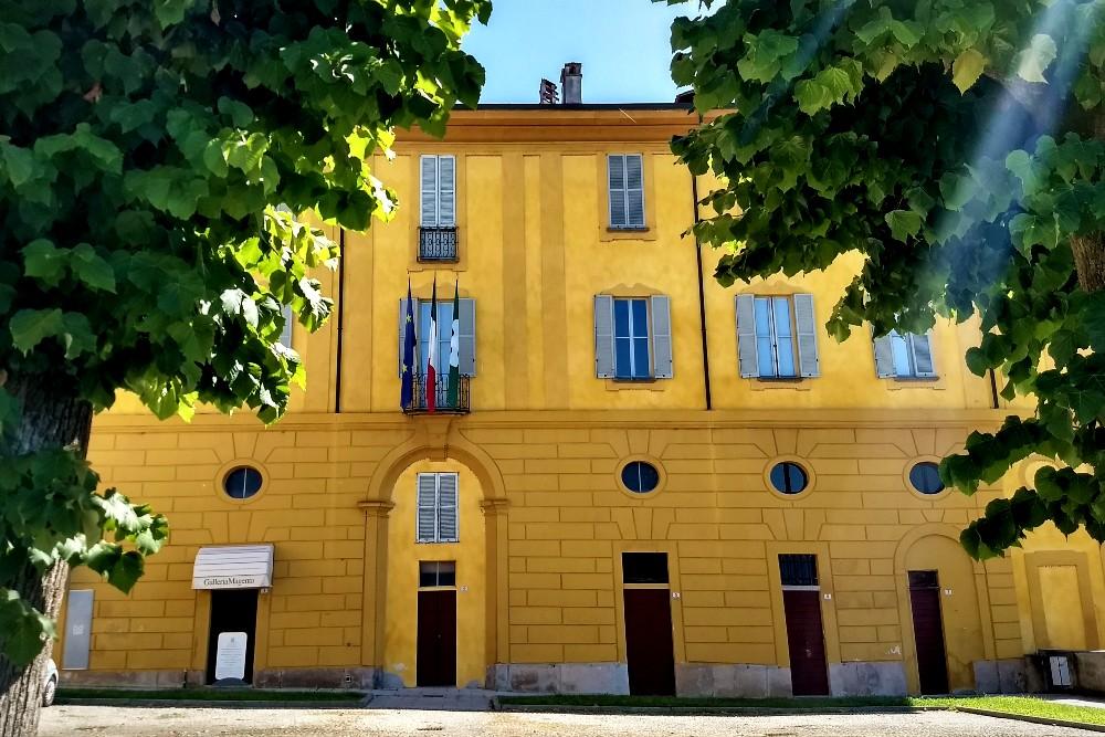 Comune di Morimondo nella Piazza del Municipio in provincia di Milano, Lombardia