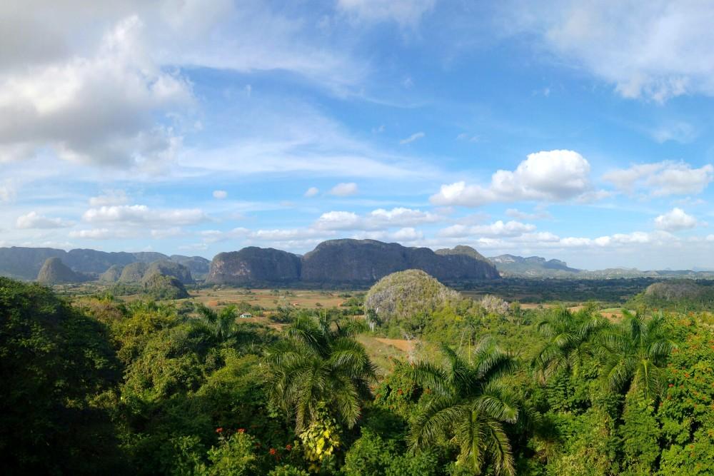 Viaggio a Cuba: veduta sulla Valle de Viñales dall'Hotel Los Jazmines