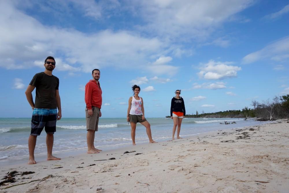 Passeggiata sulla spiaggia di Cayo Jutías a Cuba
