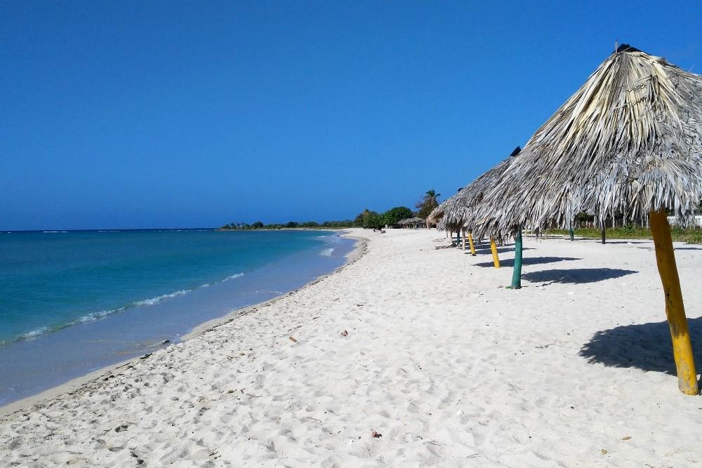 Playa Ancón vicino a Trinidad a Cuba