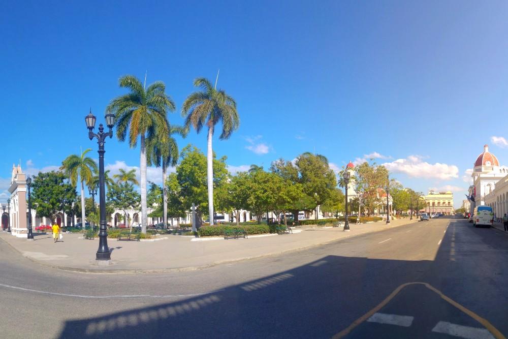 Viaggio a Cuba: Parque Josè Martí a Cienfuegos