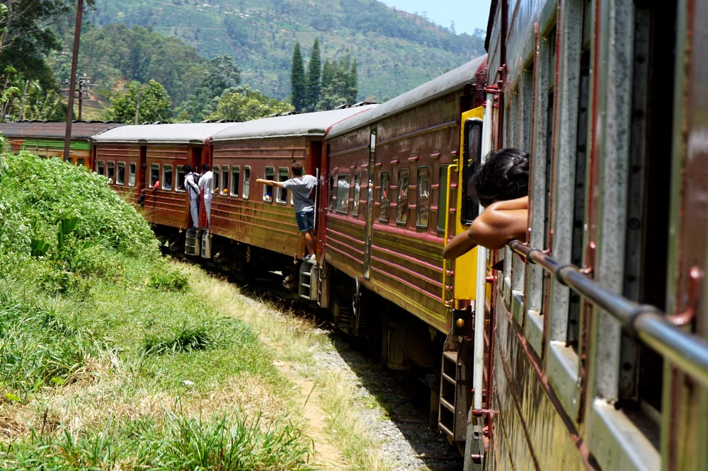 Curiosità sullo Sri Lanka: vecchio treno nella Hill Country che collega Ella ad Haputale