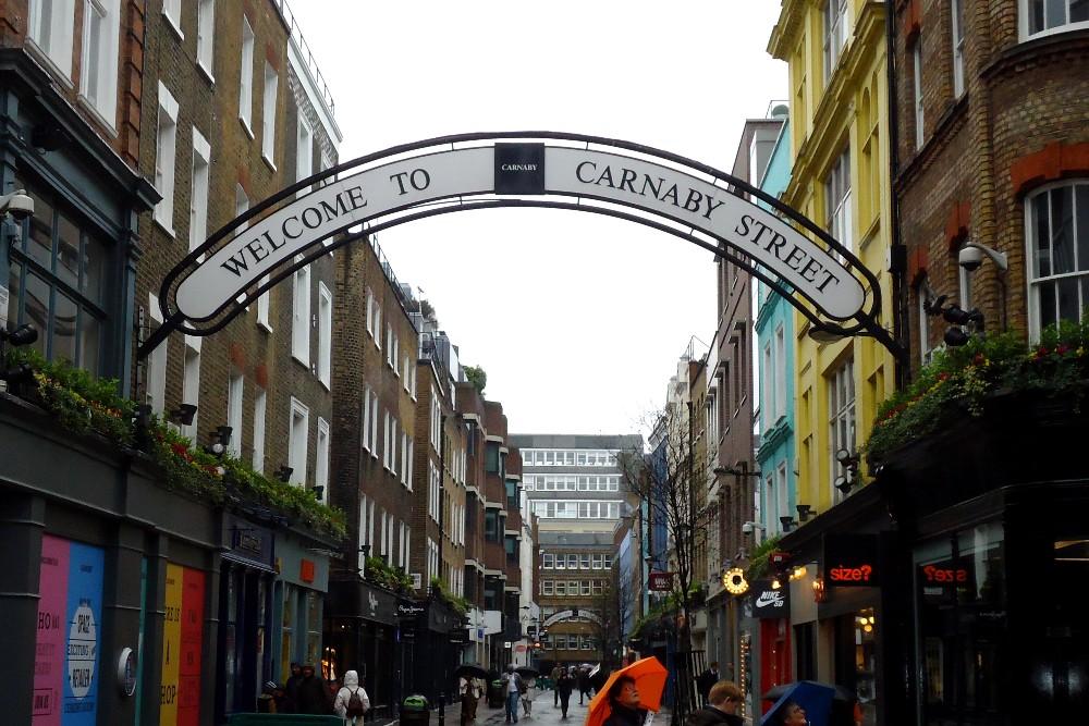 Carnaby Street nel quartiere di Soho a Londra