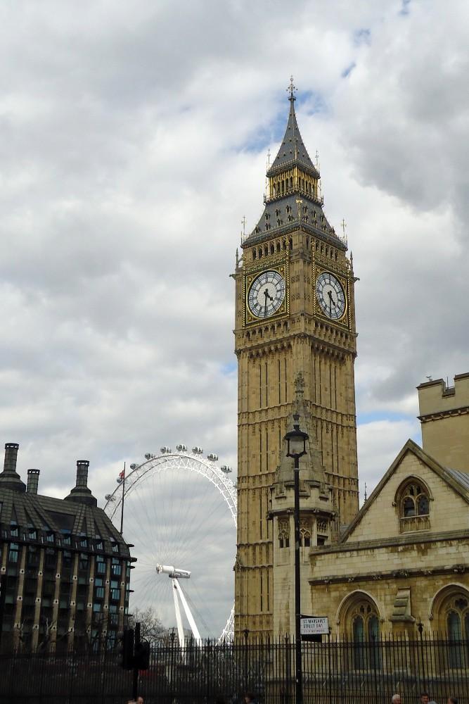 Cosa vedere a Londra: la torre dell'orologio Big Ben del Palace of Westminster