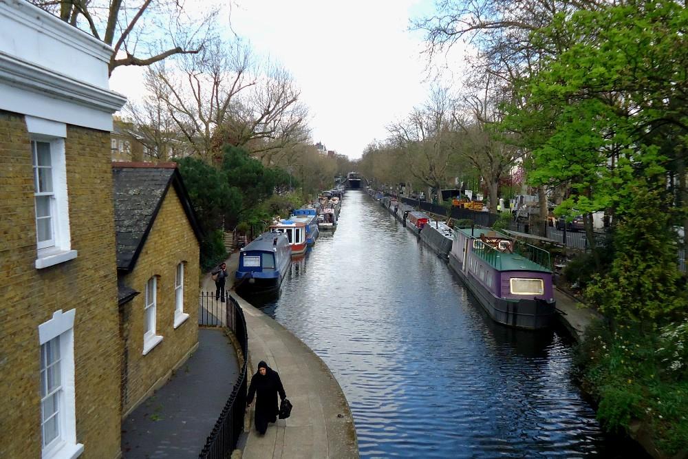 Houseboat lungo Little Venice a Londra