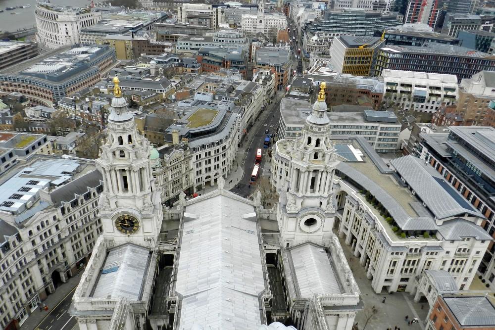 Veduta di Londra dalla cupola di St Paul's Cathedral nella City