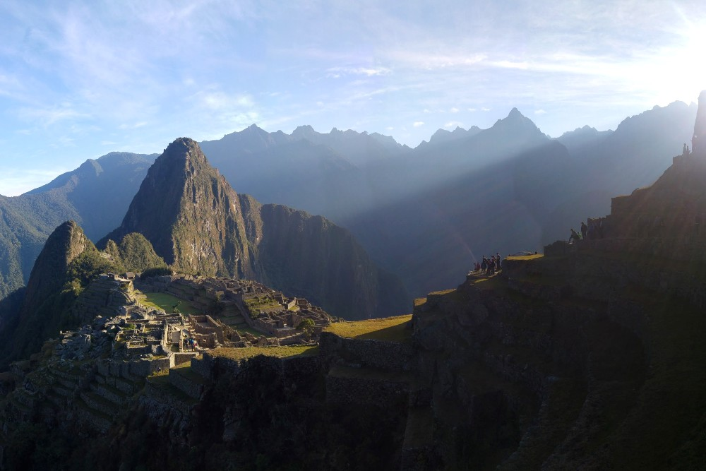Perù degli Inca: vista di Machu Picchu dai terrazzamenti
