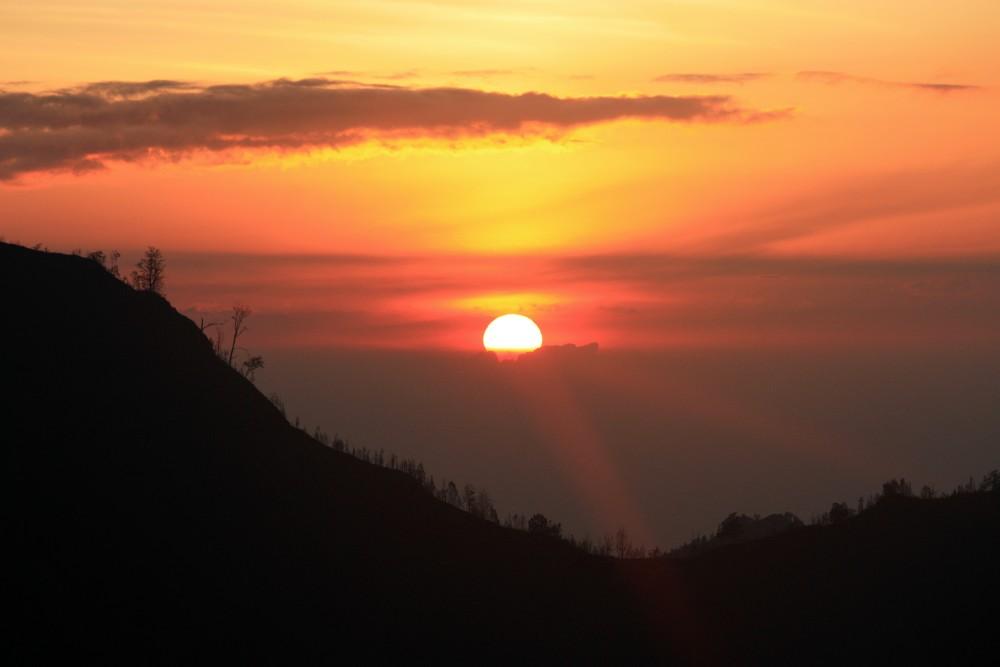 Alba al vulcano Bromo nel viaggio in Indonesia sull'Isola di Giava