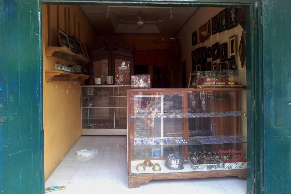 Negozio di argento nel quartiere delle argenterie di Kota Gede a Yogyakarta