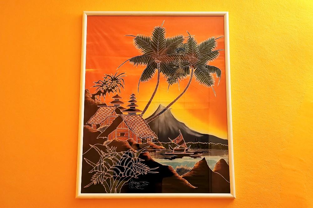 Quadro di batik indonesiano acquistato in una galleria a Bali, che rappresenta un tipico paesaggio balinese.
